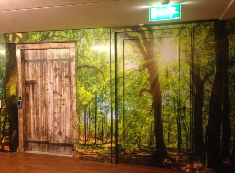 full color print wrappen lift houten kozijnen glas deur